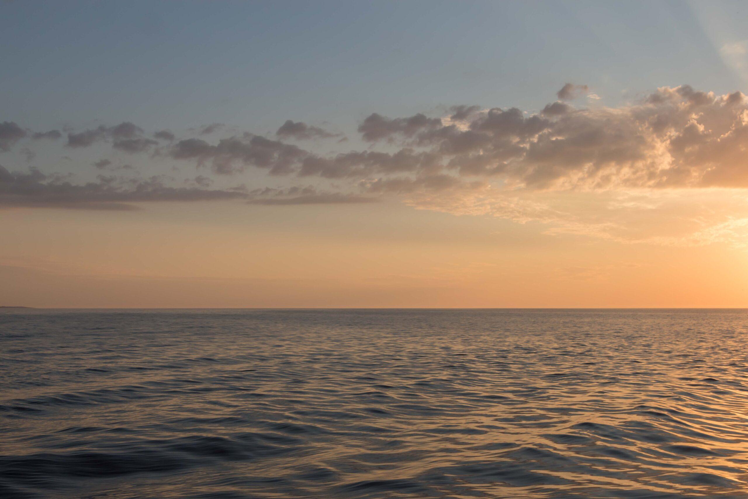 Zachód słońca nad morzem w Ustce