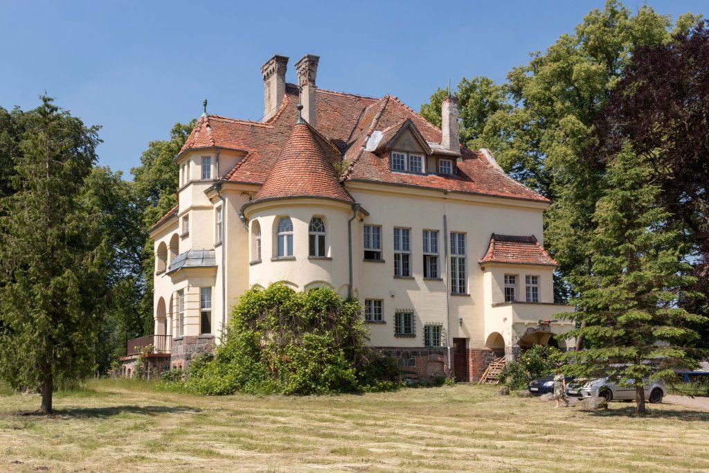Pałac Below Sławutówko